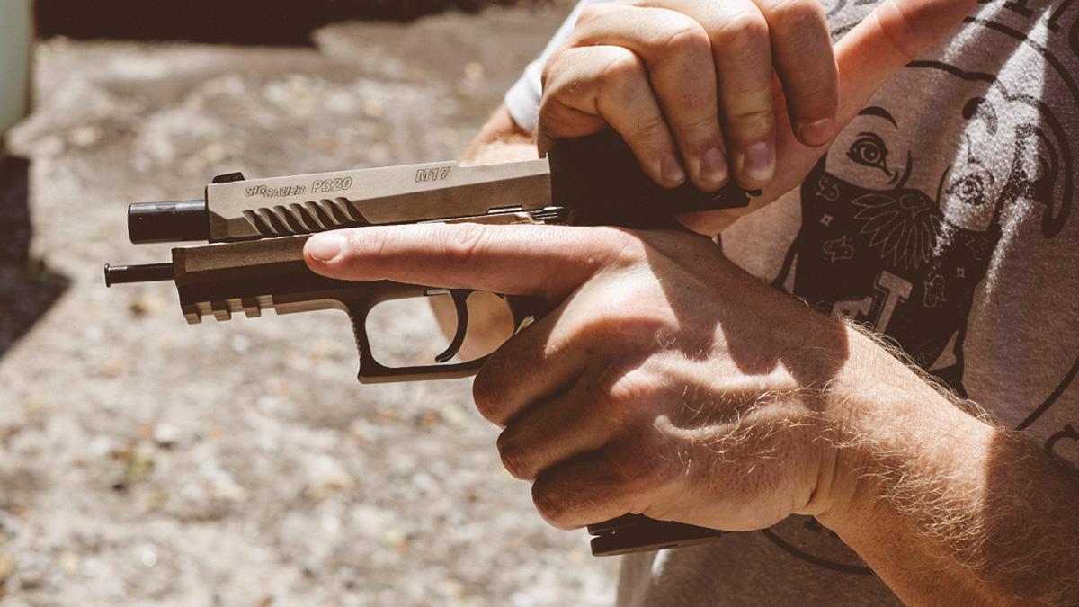 dynamic handgun image